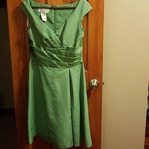 💚David's Bridal green short bridesmaid dress💚